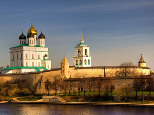 Above the quay walls of the Kremlin and see Pskov Cathedral